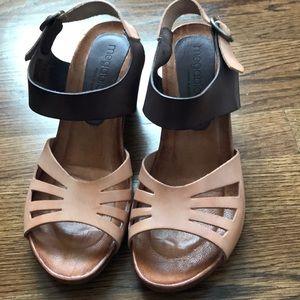 Ladies clog type sandal